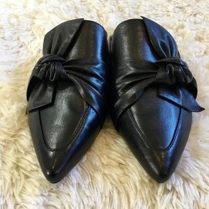 DKNYC Shoes - 🆕DKNY slip on black leather pier mules size 10
